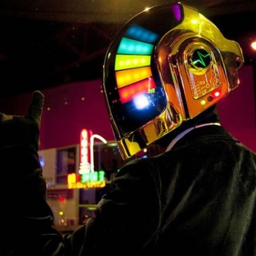 Replica del casco de Daft Punk