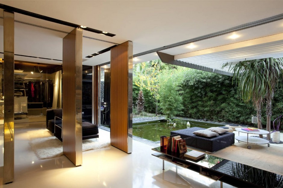 Residencia h 2 314 architecture studio undermatic for Inner courtyard home designs